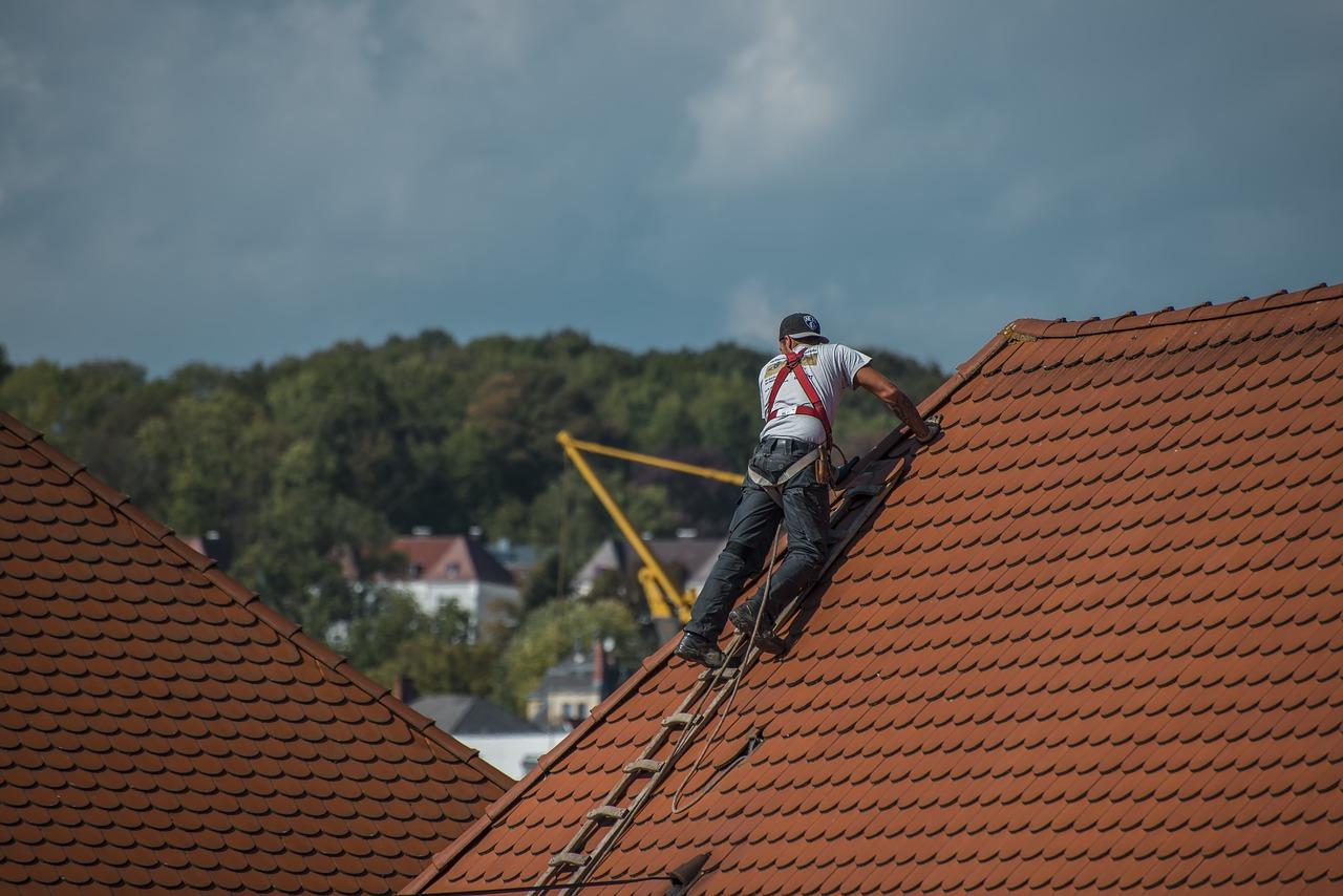 Uszkodzenie dachu