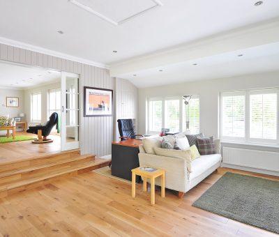 Drewniana podłoga – jak ją zabezpieczyć?